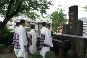 原爆投下直後から、教区の方々が定例法要を営み、「非核非戦」の誓いを相続されてこられました。