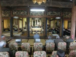 等覚寺の十日講の様子