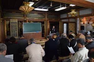 """本山組織部の協賛によって開催された""""宗史蹟公開講演会""""。大谷大学の草野顕之学長が「親鸞聖人と岡崎別院」の講題のもと講演されました。"""