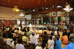 本堂で開かれた地元中学の吹奏楽部のコンサートは、あっという間に満員御礼!!