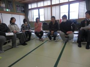 全体座談。子ども会運営上での問題などを語り合う。
