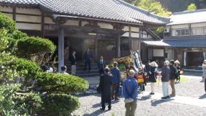 つづいて傳正寺さんに9時前に到着。