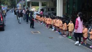 光徳寺では、お迎えもお見送りも、近くの保育園の園児が合掌されてました。