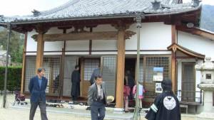 聞名寺でも、聞法会の皆さんはじめ、多くの方々がお待ちくださっていました。