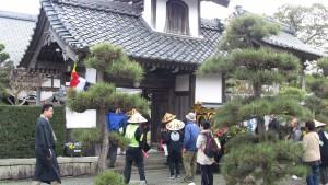 淨立寺に到着。