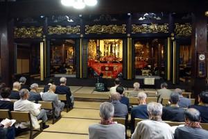 寶満寺での勤行