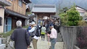 聞名寺を出発します。