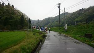 昼前に雨が降ってきました。