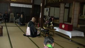 傳正寺さんでの勤行。