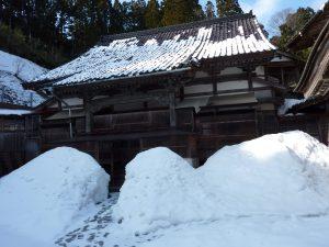 雪の道を通り西蓮寺へ