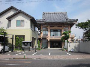 愛媛県松山市の学生街に建つ正林寺
