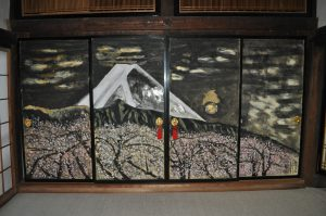 03住職友人の金子紀久雄(日本画家)寄贈の本堂襖絵
