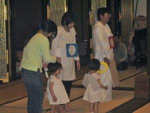 真宗入門講座でのクイズの様子・久留米教区通信員