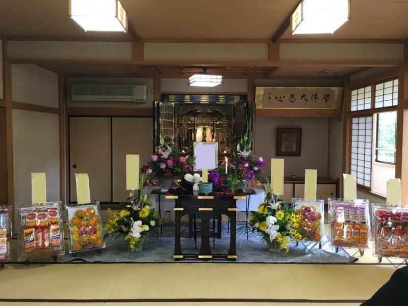 和楽通信員寺院での葬儀の写真