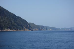 200メートルを超える山々が連なる甑島